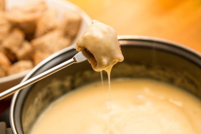vitello in fonduta di formaggio veloce