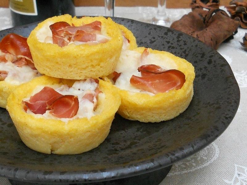 cestini di polenta speck e formaggio